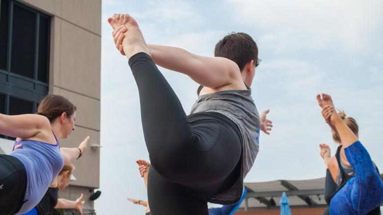 Yoga pants: The fashion police go both ways