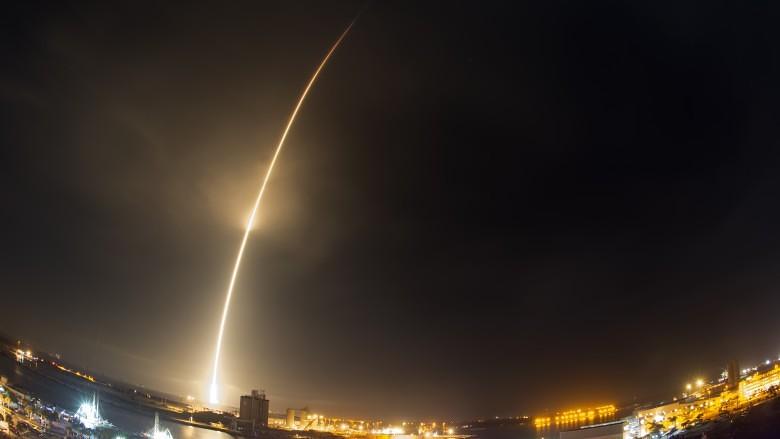 SpaceX rocket soars into orbit then returns to safe landing