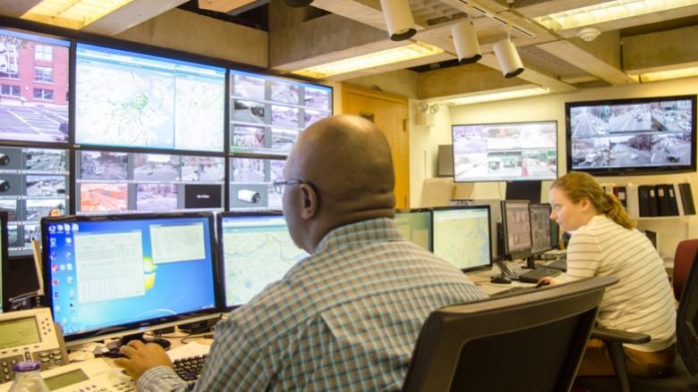 Boston adjusting traffic light timing to fight congestion