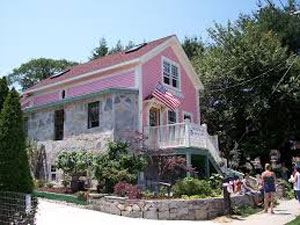 "Susette Kelo's ""little pink house."" (Via Institute for Justice)"