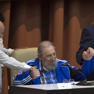 Several Republicans insist: U.S. government officials must avoid Castro's funeral