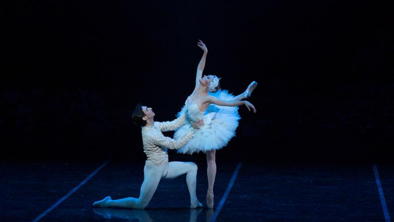 Ashley Ellis and Eris Nezha in Mikko Nissinen's Swan Lake; photo by Rosalie O'Connor, courtesy of Boston Ballet