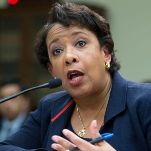 Clinton: The Idea That Lynch Was Compromised Is 'Outrageous And Insulting'
