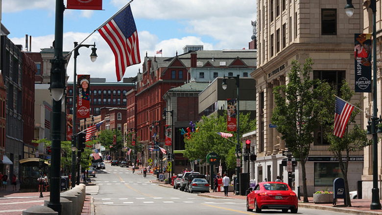 Downtown Portland/ Axel Drainville (Flickr Commons)