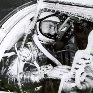 'Godspeed, John Glenn': Public hails hero of space, politics