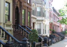 Brooklyn Row Houses Photo — One Brownstone — Wikipedia — Saved Monday 11-13-2017