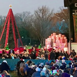 Trumps' Christmas Tree Lighting Wows Crowd, Fills Hearts