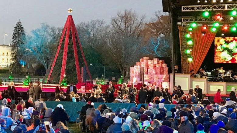 Trumps Christmas Tree Lighting Wows Crowd Fills Hearts