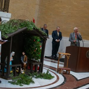 Jim Lyons Hosts His Last Nativity at Massachusetts State House