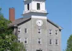 Middlebury College Photo — Old Chapel — Wikipedia — Saved Monday 4-22-2019