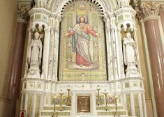 Mission Church Photo — Altar — Basilica of Our Lady of Perpetual Help — Church Photo — Saved Wednesday 3-18-2020